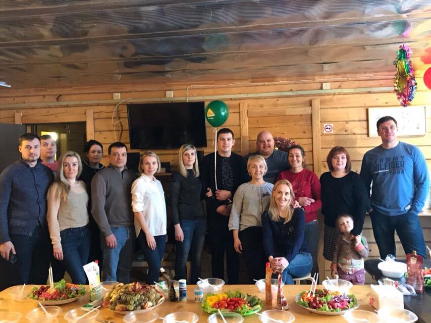 Вместе отмечаем день рождения сотрудницы БФ Источник Надежды